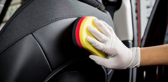 Химчистка или полировка кузова авто от«Автомойки наулице Красных Зорь»
