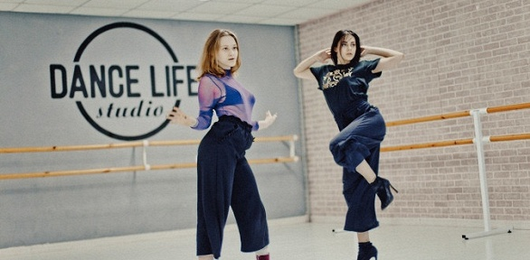 Занятия пилатесом, стретчингом вшколе Dance Life