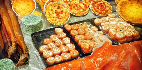 Пицца ироллы вресторане «Токио Суши» или Via Veneto