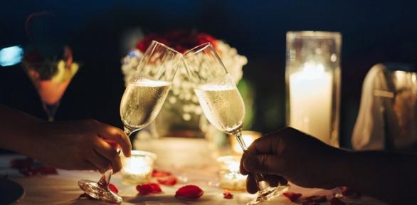 Романтическое свидание вантикафе Pixel Lounge