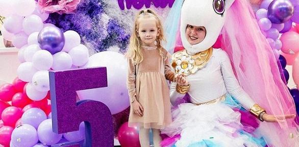 Праздник, вечеринка для детей в«Удивихолл»
