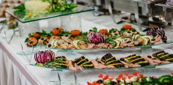 Проведение банкета ссалатами иосновными блюдами вкафе «Гурман»