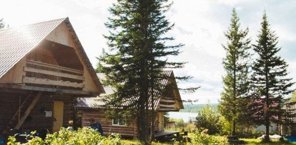 Отдых наберегу озера Зюраткуль набазе отдыха «Небесное озеро»