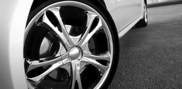 Химчистка, мойка авто или абразивная полировка отавтомойки «СМ-Моторс»