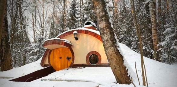 Отдых вхоббитском доме навыбор вглэмпинг-экоотеле «Хоббитлэнд»