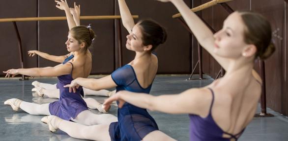Занятия балетным стретчингом, фитнесом встудии Nameless