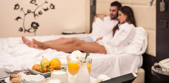 Отдых для одного или двоих вномере сзавтраком вгостининице «Фонарь»