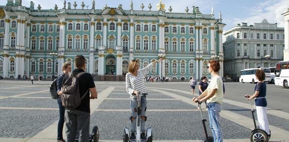 Экскурсия поСанкт-Петербургу нагироскутере откомпании Happyway