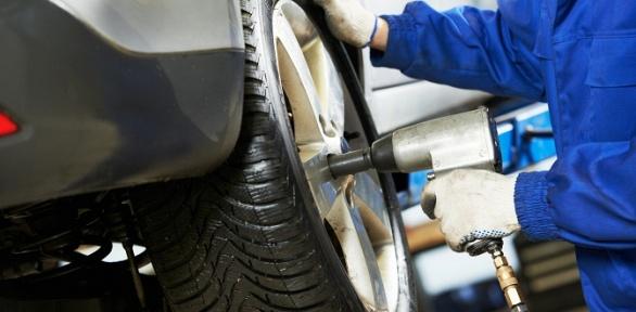 Шиномонтаж колес вавтомастерской PitStop