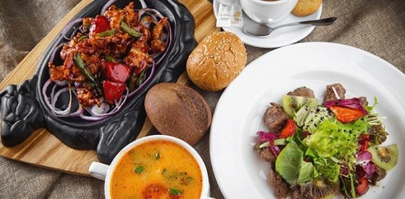 Блюда изтемпура-меню инапитки вкафе «Палуба» ототеля Quattro