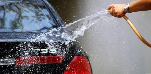 Химчистка автомобиля, покрытие стекол составом «Антидождь» всети «Ритол»
