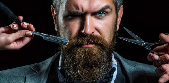 Стрижка, оформление бороды вбарбершопе Blade Runner Man