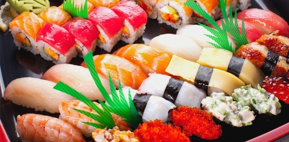 Суши-сет отресторана доставки «Океан суши» заполцены