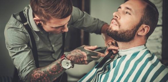 Стрижка, моделирование бороды или бритье навыбор вбарбершопе Mac Barber