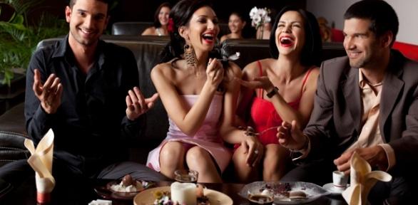 Отдых спаровым коктейлем, сэндвичами ичаем влаундж-баре «Дымократия»