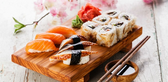 Доставка сетов японской кухни отсуши-бара Sakura