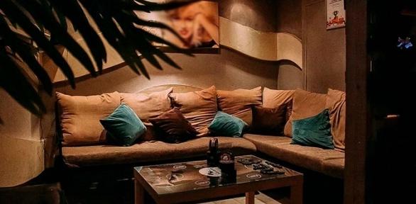 Отдых спаровым коктейлем иавторским чаем вLounge Room «Дым-дым»