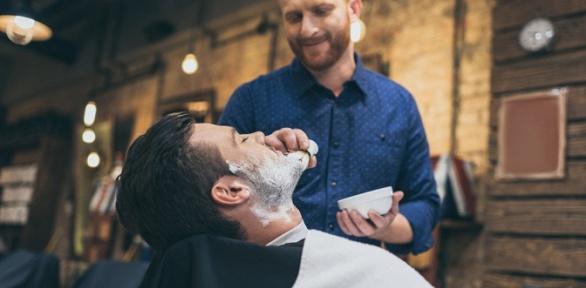 Мужская идетская стрижка, моделирование бороды вбарбершопе «Стригабор»