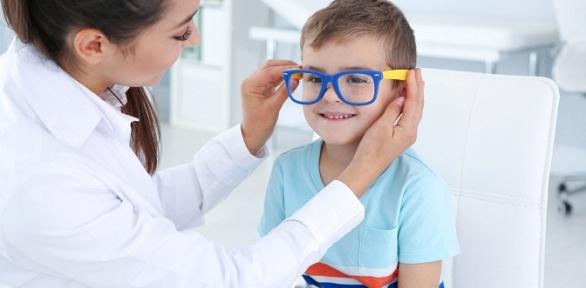 Обследование зрения вцентре детского здоровья «Икар»
