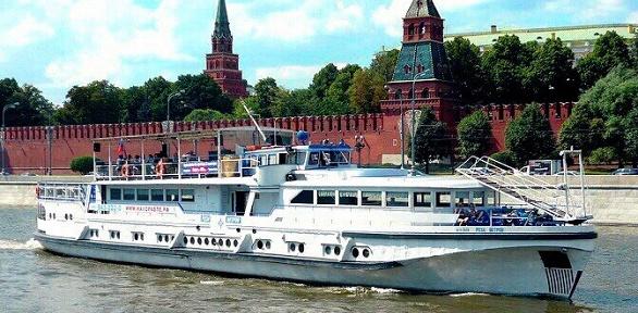 Прогулка поМоскве-реке счаепитием натеплоходе «Роза Ветров»
