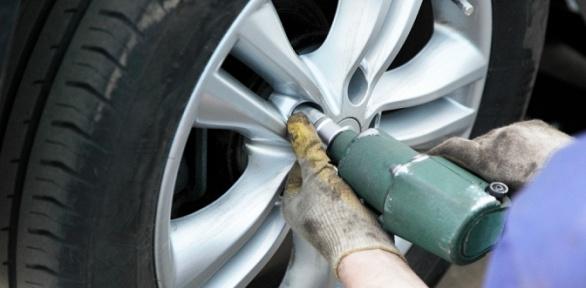 Шиномонтаж, замена ибалансировка колес вавтосервисе NoProblem