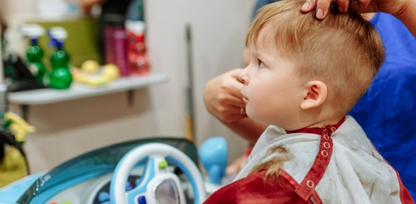 Стрижка, создание прически, SPA-процедура для волос всалоне «Чуб-Чик»