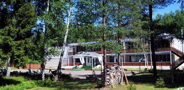 Отдых вкоттедже или вномере выбранной категории вSPA-отеле «Серебро»
