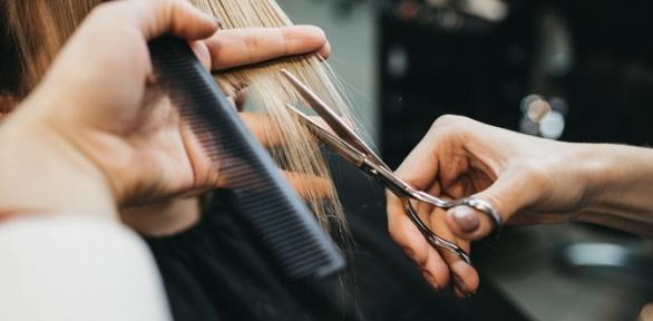 Стрижка, окрашивание волос всалоне «Монэ»