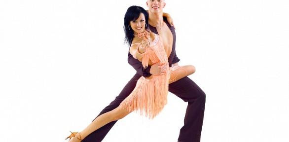 Занятия танцами для взрослых идетей навыбор отстудии Grotesk Style