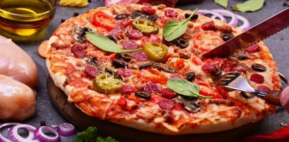 Роллы, суши, пицца иwok отслужбы доставки «ПоШиреХари» заполцены