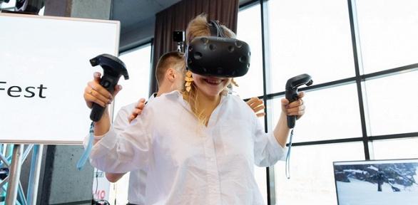 1или 2часа игры вшлеме HTC Vive вклубе виртуальной реальности Touch