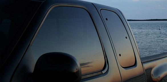 Тонировка стекол или фар автомобиля вавтосервисе Express-master24
