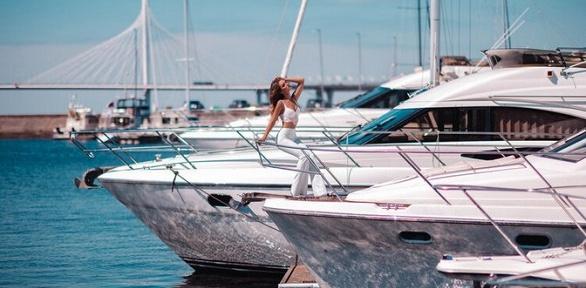Аренда яхты Meridian для фотосессии откомпании Peter's Marine