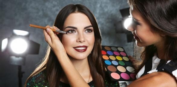 Обучение макияжу вимидж-студии «Косметик-класс»