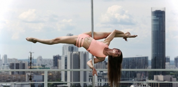 4, 8или 12занятий танцами всети студий Pole Dance ивоздушной гимнастики