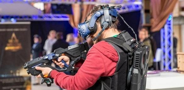 Игра вшлеме виртуальной реальности отпарка The Deep