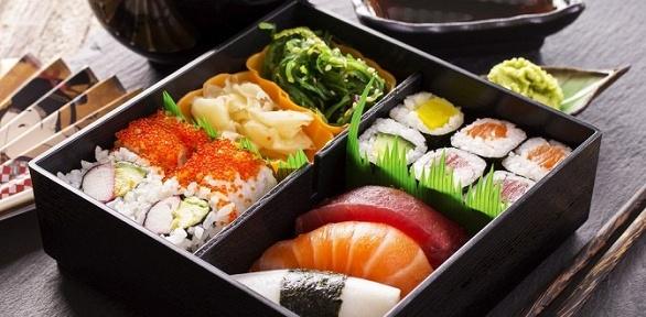 Суши, роллы, сеты изапеченные роллы отслужбы доставки «Сакура» за полцены