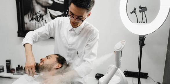 Мужская стрижка или моделирование бороды вбарбершопе IskoBar