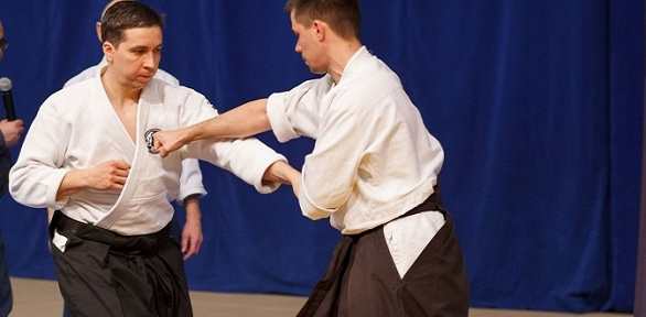 Тренировки вшколе боевых искусств «Айкибудо»