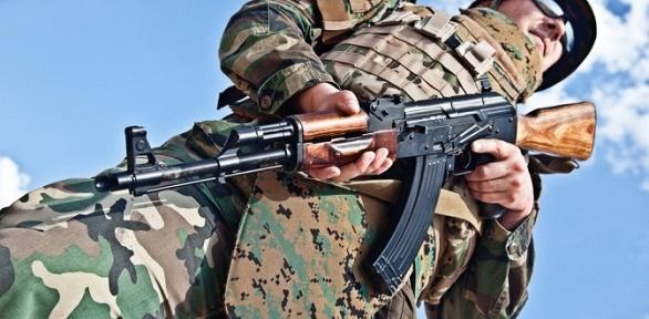 «Курс молодого бойца» спосещением музея истрельбой вклубе «Феникс»