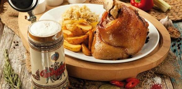 Блюда инапитки навыбор вчешском ресторане Budweiser Budvar заполцены