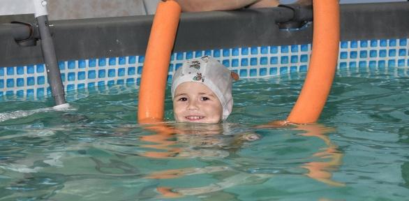 Абонемент на4, 8или 12занятий плаванием отцентра «Веселый дельфин»