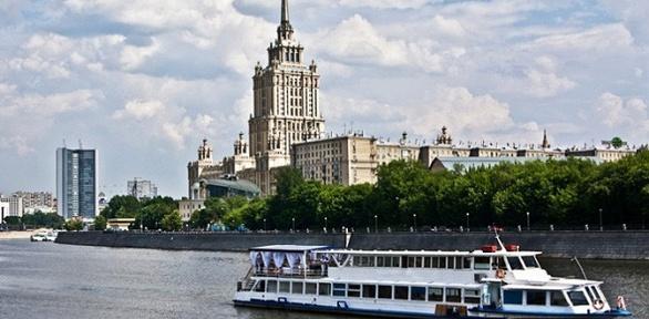 Прогулка поМоскве-реке для одного либо двоих натеплоходе «Фалькон»