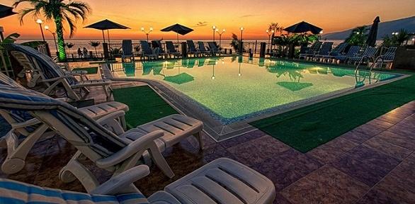 Отдых вАбхазии для двоих спитанием навыбор вотеле Alex Beach Hotel