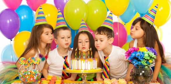Праздник для детей вдетском клубе «Ясам»