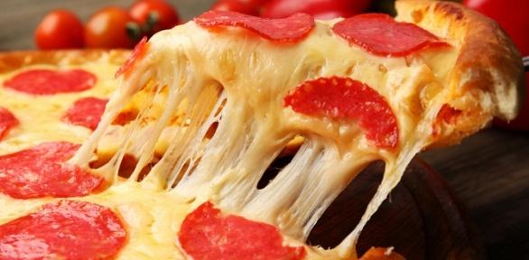 Пицца отслужбы доставки «Космопицца» заполцены