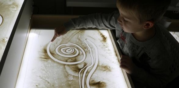 Посещение мастер-класса порисованию песком или наводе отстудии SandLand