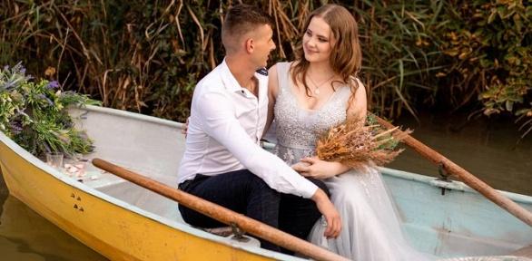 Романтическое свидание налодке откомпании Prokatoffkrd