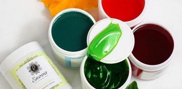 Шугаринг разноцветной пастой встудии «Красофка»