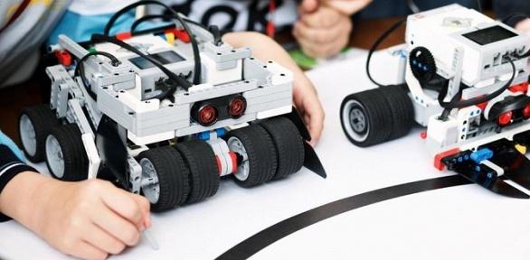 Курс занятий поробототехнике или инженерии вшколе Robooky
